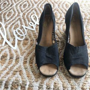 Toms Peep-toe Wedges
